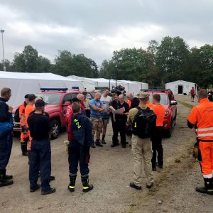 De finska brandmännen förbereder sig i Ljusdals kommun
