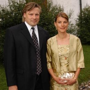 Christian och Camilla Ruuttu på Jari Kurris och Vanessa Forsmans bröllop 2004.