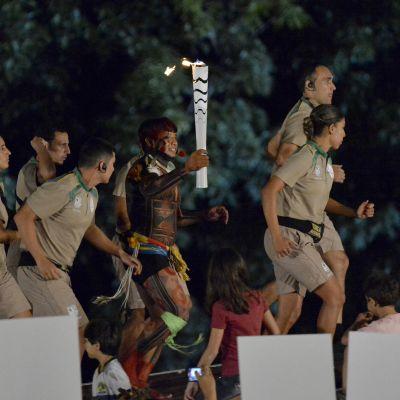 Olympiatuli kulkee Brasiliassa.
