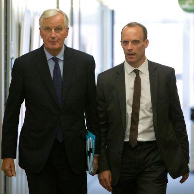 EU:s brexitförhandlare Michel Barnier (till vänster) och den brittiska brexitministern Dominic Raab i Bryssel den 6 september 2018.