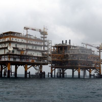 Iransk gasplattform i Persiska viken.