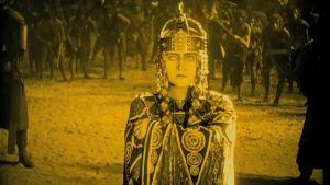 Niebelungen laulu. Kuvakaappaus dokumenttielokuvasta Caligarista Hitleriin.