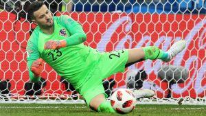 Danijel Subasic stoppar en straff vid VM 2018.