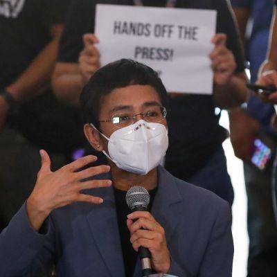 Maria Ressa uppmanar journalister att fortsätta sin kamp för yttrande- och tryckfrihet.