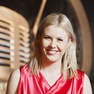 Eeva Kontu on Tartu Mikkiin -bändin johtaja