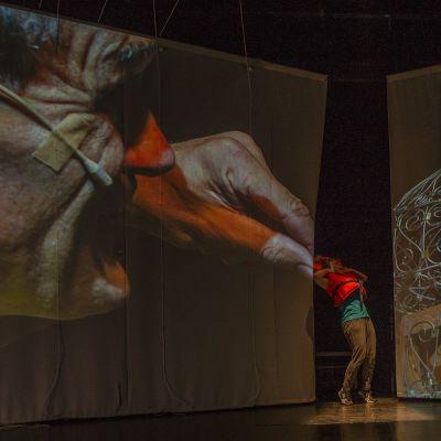Foto från Gullivers nya resor på Unga Teatern.