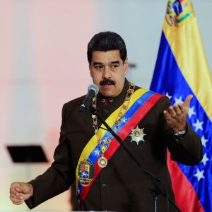 Venezuelas president Nicolás Maduro talar vid ett regeringsevenemang 15.7.2017.