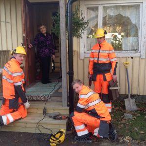 84-åriga Lindis Kåll får ny trappa.