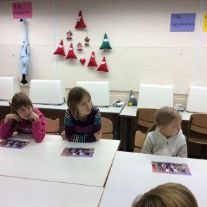 Metsäkylän koulun oppilaskunnan hallitus kokoontuu kerran kuussa. Mukana on edustajia kaikilta alakoulun luokilta.