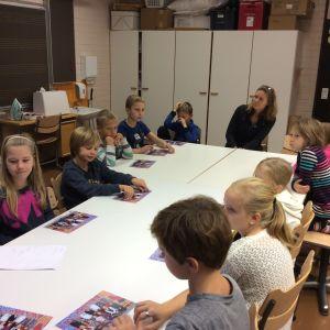 Metsäkylän koulun oppilaskunnan hallitus kokouksessaan