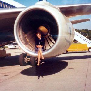 Ann-Sophie Sandström och flygplanet