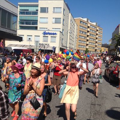 Prideparaden i Jakobstad 26.7.2014
