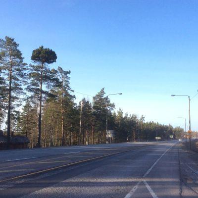 Avsnitt av riksväg 25/Karisvägen i Horsbäck, Ekenäs.