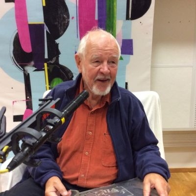 Ohjaaja Ralf Långbacka