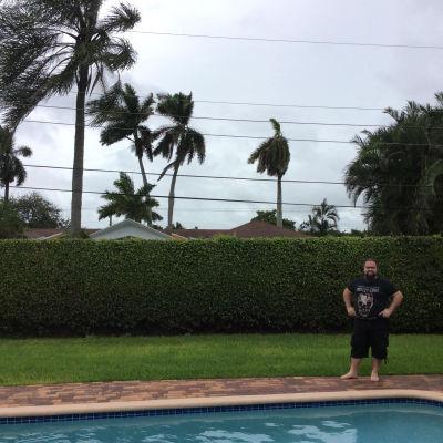 Niclas Hellqvist i Fort Lauderdale i väntan på orkanen Matthew.