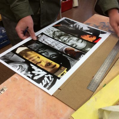 Foto på händer som arbetar med ett kollage av sju olika bilder.