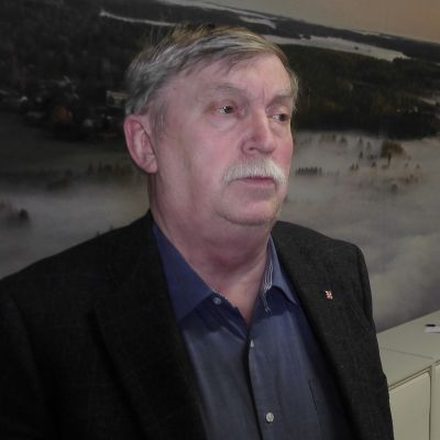 Heikki Luukkanen vaikuttaa Imatralla.