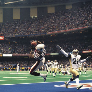 Patriotsin David Pattenin touchdown-kiinniotto Super Bowlissa 2002