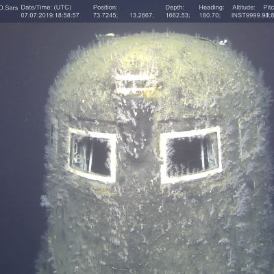Komsomolets makaa 1 680 metrin syvyydessä.