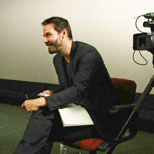 Side by Side on Keanu Reevesin (kuva) juontama dokumentti elokuvanteon siirtymisestä digiaikaan.