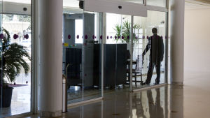 Säkerhetskontroll på hotell Hôtel Steigenberger Kantaoui Bay i Sousse i Tunisien.