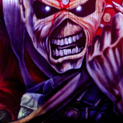 Iron Maidens maskot.