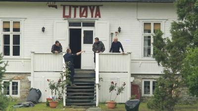 Polisen reder ut händelserna på Utøya