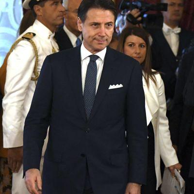 Giuseppe Conte fortsätter som premiärminister.