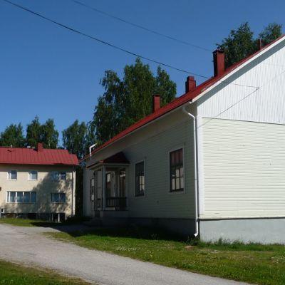 Lehtovaaran vanha puukoulu Nurmeksessa