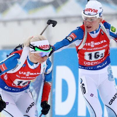 Kaisa Mäkäräinen växlar över till Mari Laukkanen.