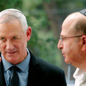 Partiet Blåvitts ledare Benny Gantz tillsammans med partikamraten Moshe Yaalon.