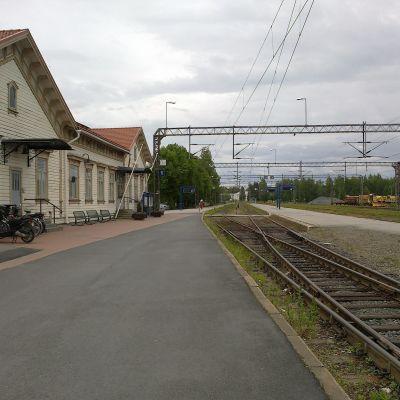 Joensuun rautatieasema ja ratapihaa