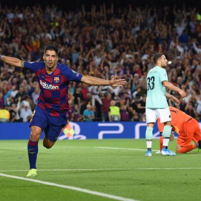 Luis Suarez teki voittomaalin Interin verkkoon 2.10.2019.