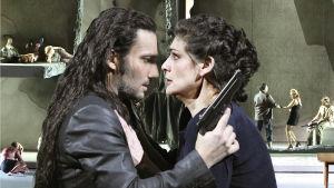Jonas Kaufmann ja Anja Harteros oopperassa Kohtalon voima