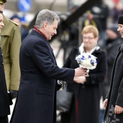 Den estniska presidenten Kersti Kaljulaid med make på officiellt statsbesök i Finland.