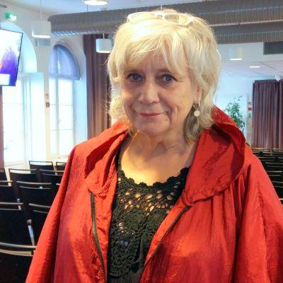 Margareta Winberg besöker Hanken i Vasa.