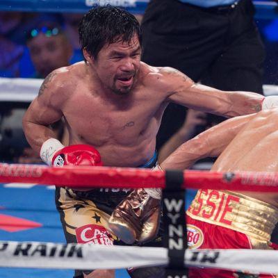 Manny Pacquiao lyö Jessie Vargasia WBO-liiton mestaruusottelussa.