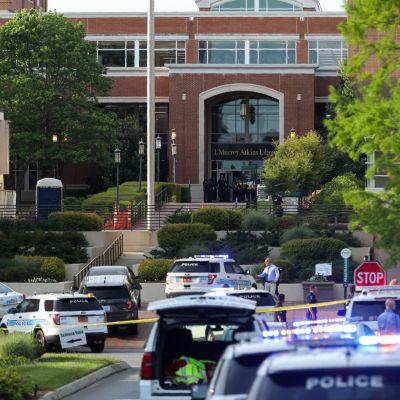 Poliisi sulki Pohjois-Carolinan yliopiston kampusalueen ammuskelun jälkeen. Paikallisten tiedotusvälineiden mukaan ampuja oli yliopiston opiskelija. Hänet on pidätetty.