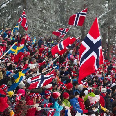 Norsk publik i Holmenkollen.