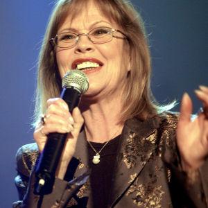Ann Christine Nyström i tv-programmet Schlager på lager 2003