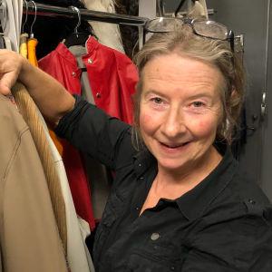 Marie Flyckt kostymdesigner för Vår tid är nu.