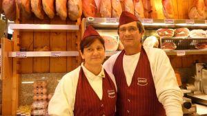 Fabio Zenobi och Donatella Seri driver en liten mataffär i Pesaro.