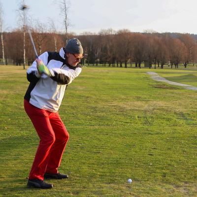 Timo Vainio Salon golfkentällä tammikuussa 2020.