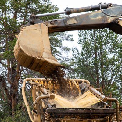 Lemmenjoen kansallispuistossa Inarissa ei enää saa kaivaa kultaa koneilla