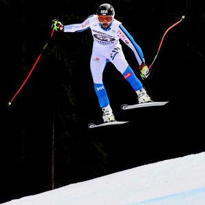 Andreas Romar lyckades inte ta sig i mål i världscupstörtloppet i Garmisch-Partenkirchen.