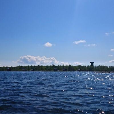 Saltkaretin näkötorni ja Merenkurkun maisemaa.