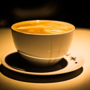 En kopp kaffe latte