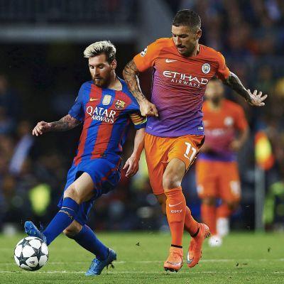 Lionel Messi ja Aleksandar Kolarov