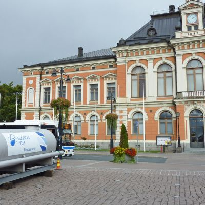 Kuopion veden vedenjakelu Kuopion torilla.