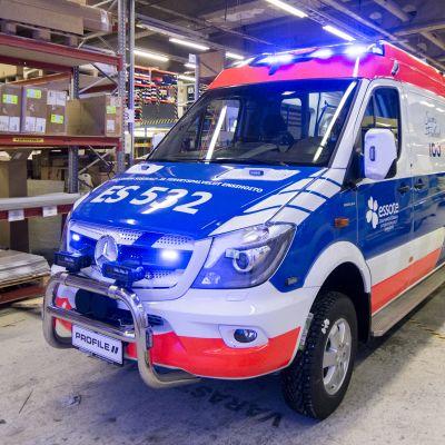 Profile Vehicles Suomi 100-ambulanssi.